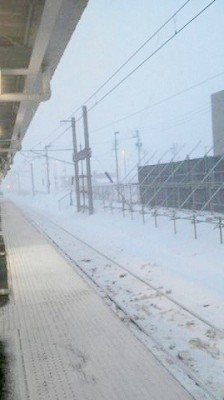 新青森駅のホームの風景