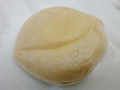 栗や果物を使用した特大饅頭も有名