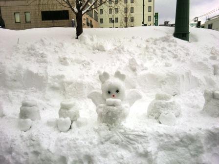 雪が舞うように 想いも空間を 舞っています。