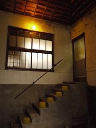 おけやさん階段_R
