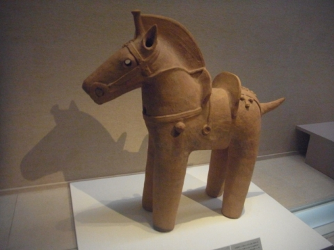 トーハクで馬に挨拶