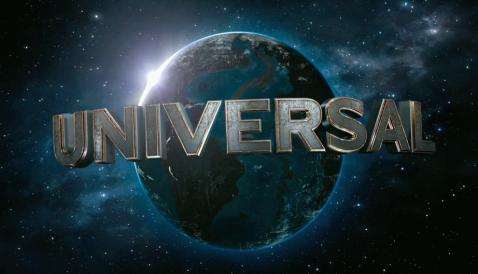 地球も文字も崩れている「オブリビオン」の予告編のモーションロゴ