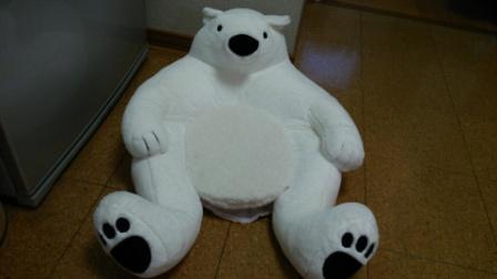 熊のクッション (1)