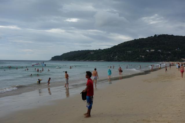 カロンビーチ3