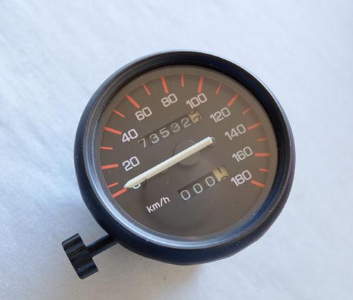 RZVスピードメーター