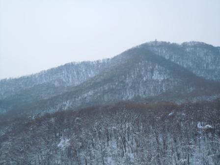 雪の山 001