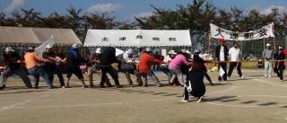 北津島運動会2012;綱引き(白)