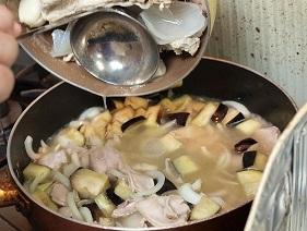 ウサギガラ汁投入2012