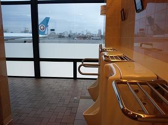 大阪空港のトイレ
