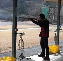 銃を打つ瞬間