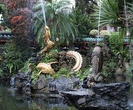 龍山寺の噴水