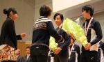 20140116rikujo花束贈呈