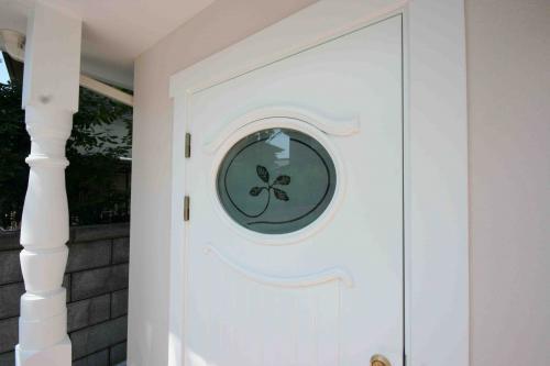 entrance door 68G