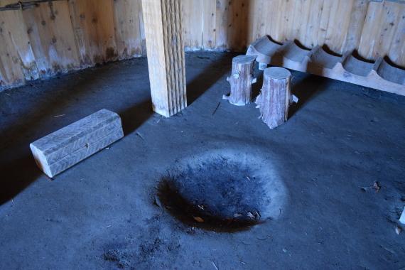 登呂遺跡 竪穴式住居 内部2
