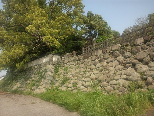 河側の石垣