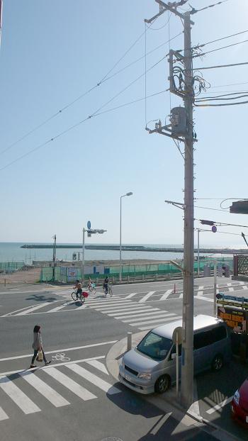 ■湘南エリアとはいえ賃貸で海が見える物件は大変希少なんです。今回の物件はお部屋から海が見える賃貸マンションです!!