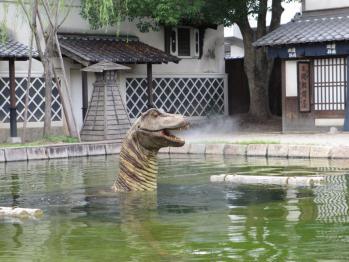 江戸の街に恐竜が