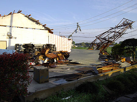民主党栃木県連[突風等被害の現地調査および緊急要望]真岡市被害②