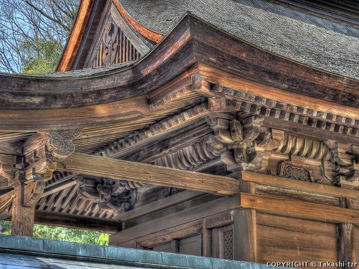 山梨岡神社本殿