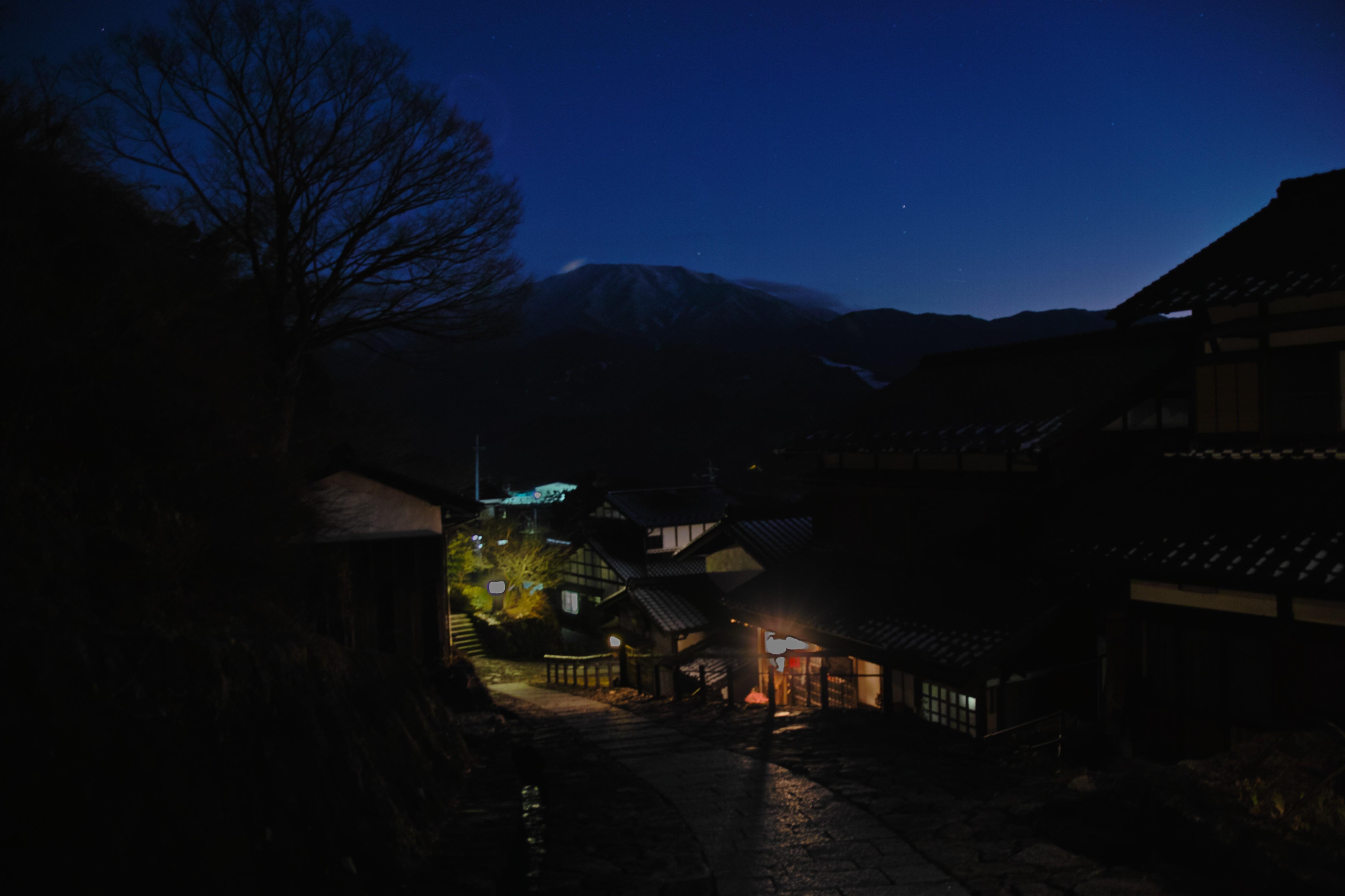 恵那山と宿場_compressed