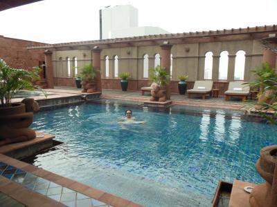 Bangkok_Pool