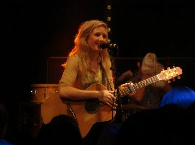 Ellie_Goulding_02