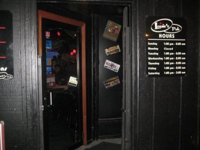 Louie's_Pub_02