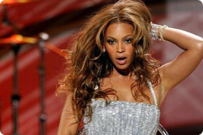 Beyonce_irreplaceable_02