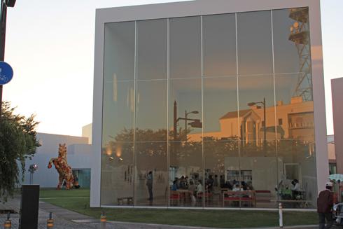 十和田市現代美術館-11