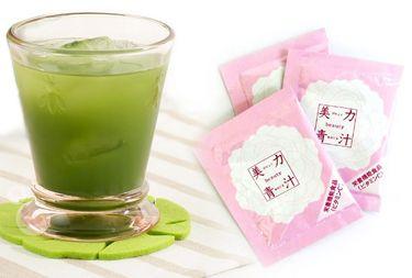 高橋ミカ 青汁