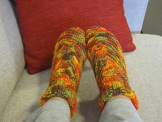 ヘレン手編みの室内用靴下