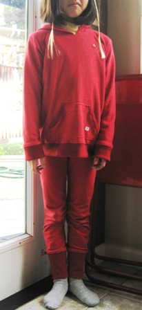 knit hoodie red 着用