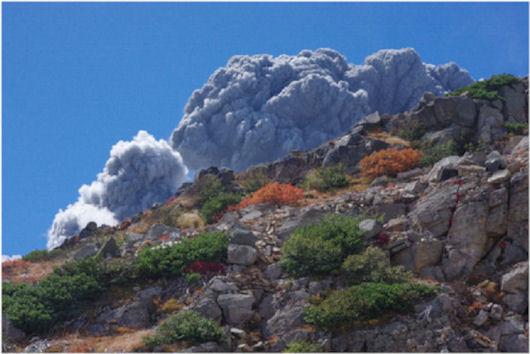 伊左治御岳噴火画像6
