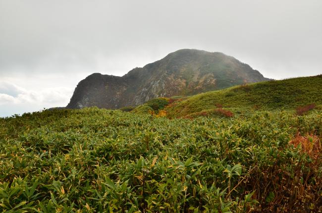 雨飾山_570