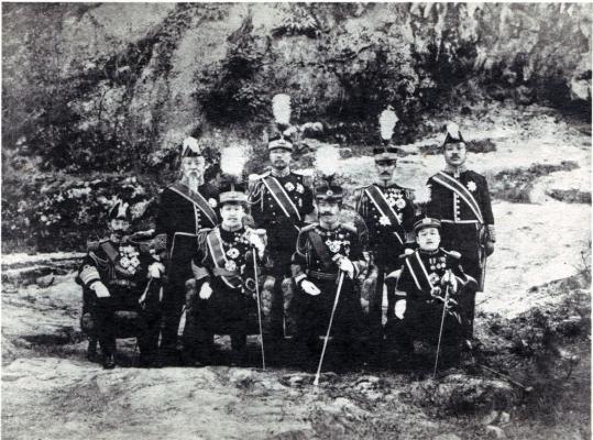 Yoshihito_in_korea_1907.jpg