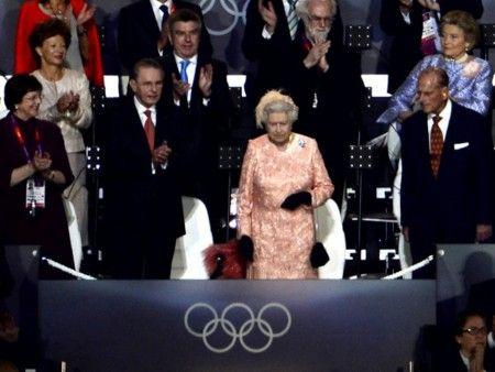 エリザベス女王開会式出席