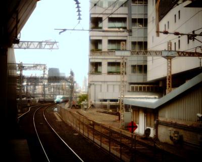 遠ざかるE5系:Entry