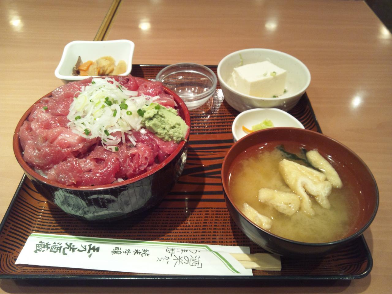 玉乃光酒造雄町店(中落ち丼特盛)