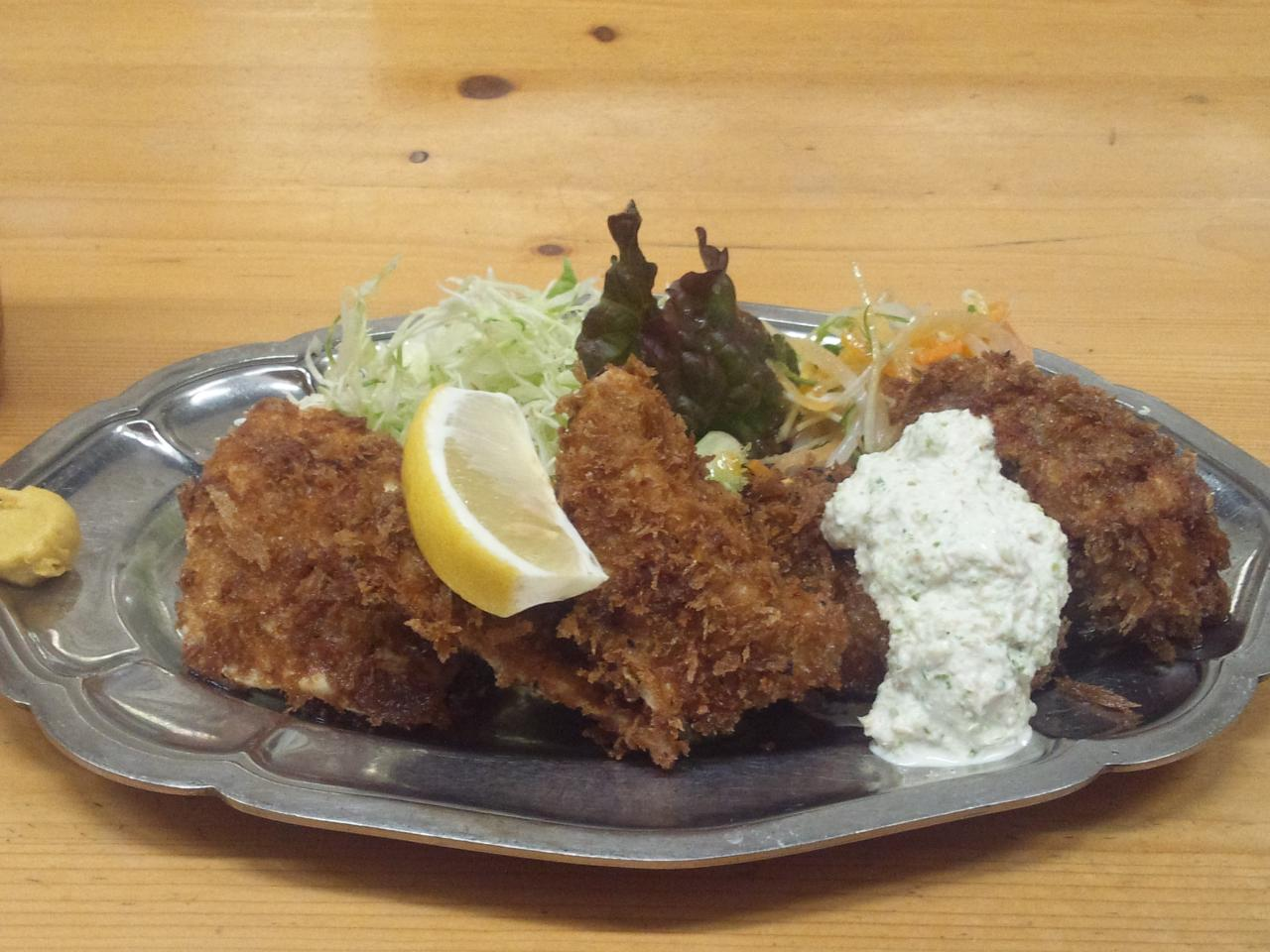 下町洋食キッチントキワ(カジキと牡蠣のフライ定食テラ盛り)