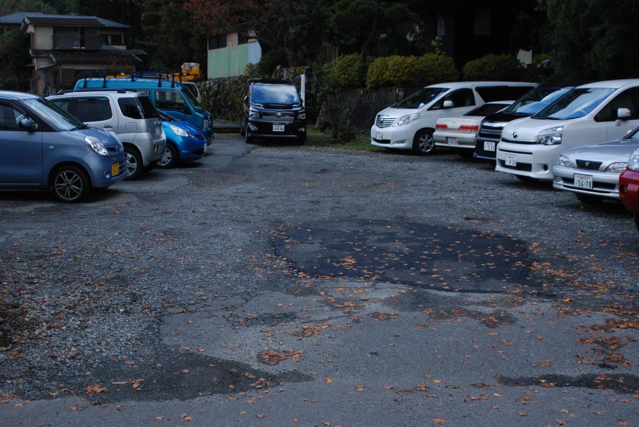 ぱんのみみ(駐車場)