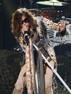 11332-Steven-Tyler-Aerosmith-American-Idol_convert_20120620153426.jpg