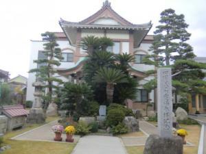齊年寺本堂