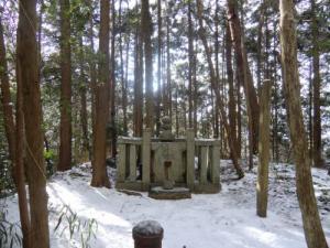 楠木正儀墓