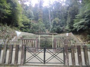 観心寺後村上天皇桧陵
