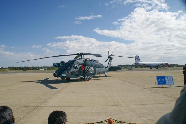 UH-60J ヘリ