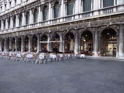 サン・マルコ広場のカフェ