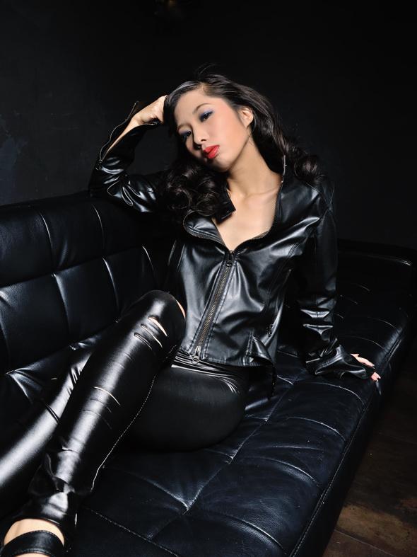 Lady Black 1