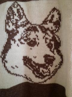 コーギー模様のセーター