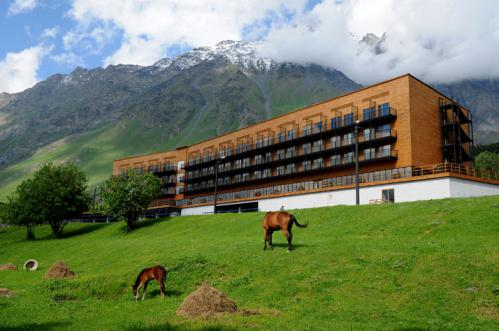 Rooms-Hotel-in-Kazbegi-Caucasus-Mountains-Georgia-yatzer-15.jpg