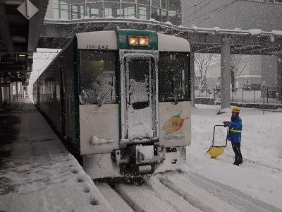 大雪の新庄駅に到着